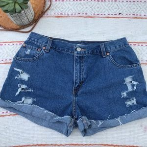 Levi's 550 relaxed fit distressed high rise shorts
